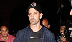 Hrithik Roshan snapped taking his kids on holiday to London  - Pictures