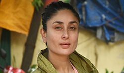 Kareena Kapoor Khan spotted outsider her gym - Pictures