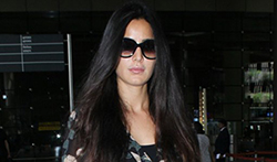 Katrina Kaif and Vaani Kapoor snapped at the airport - Pictures