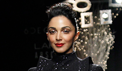 Kiara Advani walks for Hardika Gulati at Lakme Fashion Week 2017 - Pictures