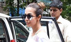 Malaika Arora snapped post Yoga session in mumbai - Pictures