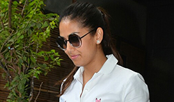 Mira Rajput snapped post lunch with friends in Bandra - Pictures