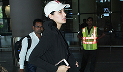Nargis Fakhri snapped at the airport - Pictures