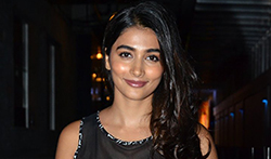 Pooja Hegde snapped post dinner with friends at Hakkasan - Pictures