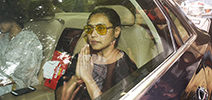 Rani Mukerji at her father Ram Mukerji's funeral