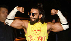 Ranveer Singh snapped at Anti Socials Khar - Pictures