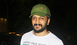 Ritiesh Deshmukh snapped in Bandra - Pictures