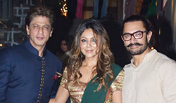 Shah Rukh Khan & Gauri Khan at Aamir Khan diwali party - Pictures