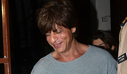 Shah Rukh Khan snapped at a studio - Pictures