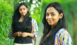 Actress Shanthi Balachandran Photo Shoot - Pictures