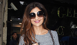 Shilpa Shetty snapped in Bandra - Pictures
