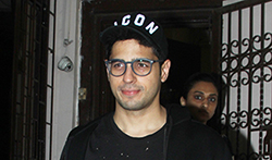 Sidharth Malhotra spotted at Purple Haze studio for dubbing for his ad shoot - Pictures