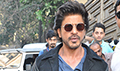 Shah Rukh Khan snapped at Mannat during Raees promotions