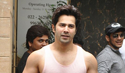 Varun Dhawan snapped at the gym - Pictures