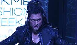 Vidyut Jammwal walks for Asa Kazingmei at Lakme Fashion Week 2017 - Pictures