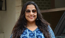 Vidya Balan snapped post dubbing in Bandra - Pictures