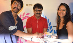 Actor Vivekh and Karthik Kumar at ' Miss O2, O2 Man - Pictures