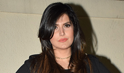 Zareen Khan hosts 'Aksar 2' screening - Pictures