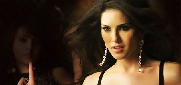 Sunny Leone Performs Live on 'Baby Doll'