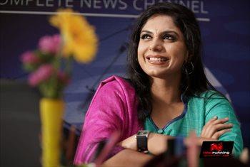 Picture 4 of Asha Sarath