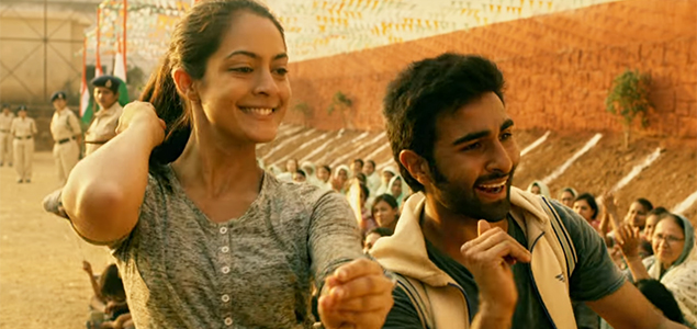 Aadar Jain & Anya Singh in 'Qaidi Band' - Song Promo
