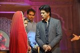 Shahrukh promotes Chennai Express on the sets of Diya aur Baati