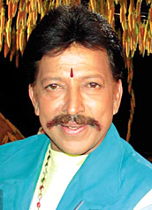 Vishnuvardhan cremated, thousands mourn
