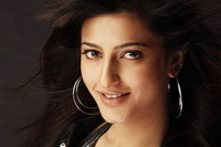Sruthi Hassan denies reports of sigining Malayalam film