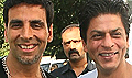 Shahrukh Khan meets Akshay on the sets of Blue