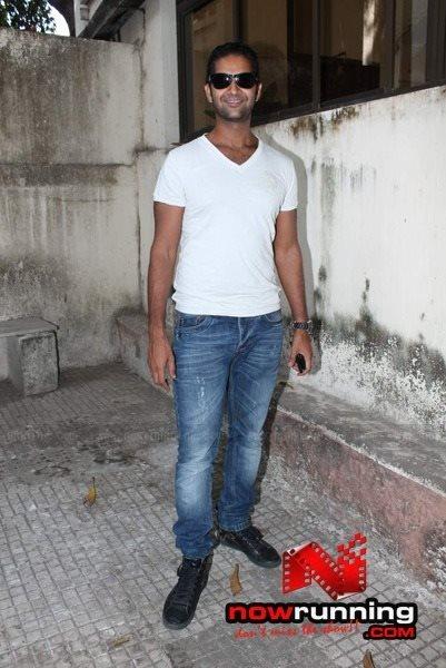 Picture 2 of Purab Kohli