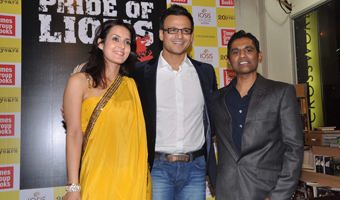 Vivek Oberoi And Tulip Joshi Launch Vinod Nair's Book