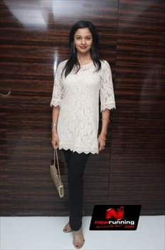 Picture 3 of Pooja Kumar