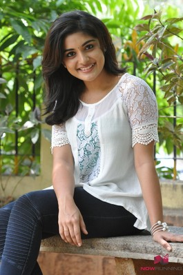 Picture 4 of Niveda Thomas