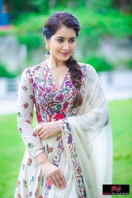 Picture 3 of Rashi Khanna