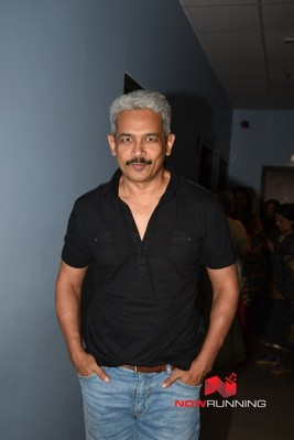 Picture 2 of Atul Kulkarni