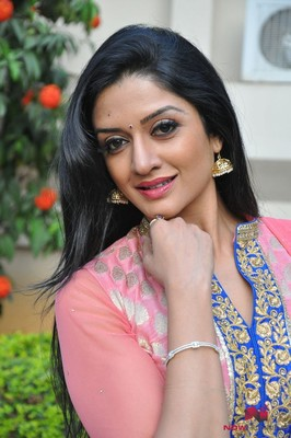 Picture 2 of Vimala Raman
