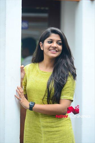 Picture 3 of Aparna Balamurali
