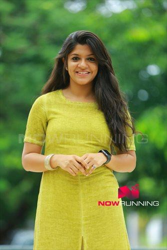 Picture 4 of Aparna Balamurali