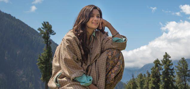 Patakha Guddi - Song Promo