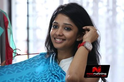Picture 4 of Nyla Usha