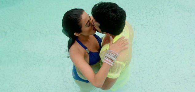 Kabhi Aayine Pe - Song Promo